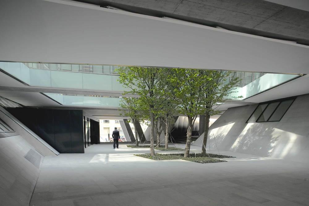 PRES 1.2 Alessandro Scandurra, scandurrastudio, Zurich Insurance Company Italian Headquarters, 2006-2009 Milano Photo credits: ©Filippo Romano