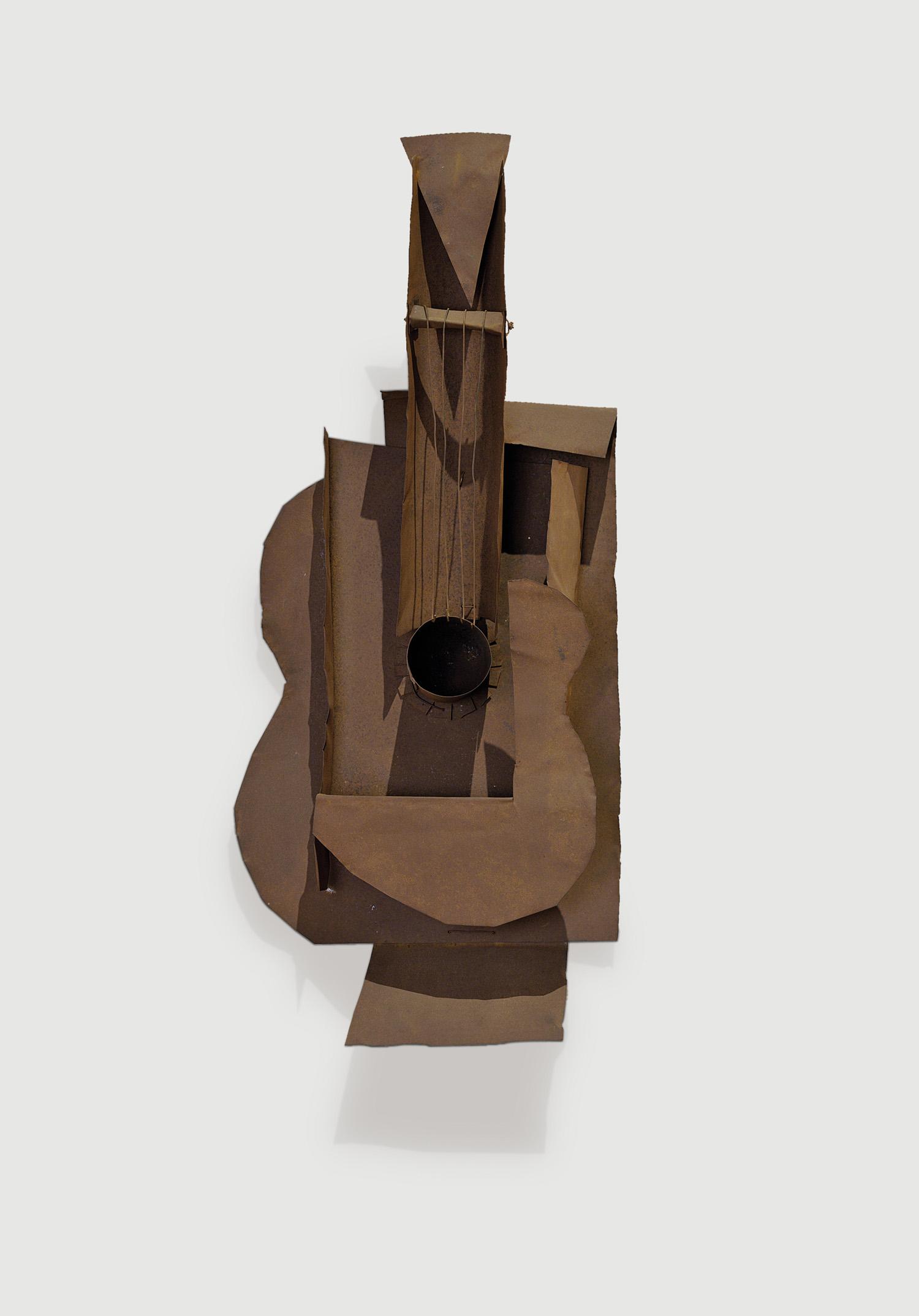 Moma Exhibition Explores Picasso S Iconic Guitar