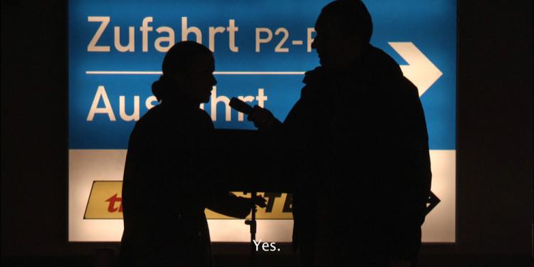 Hajnal Németh: ÖSSZEOMLÁS - Passzív Interjú, video still, 2011, operatőr: Imreh István