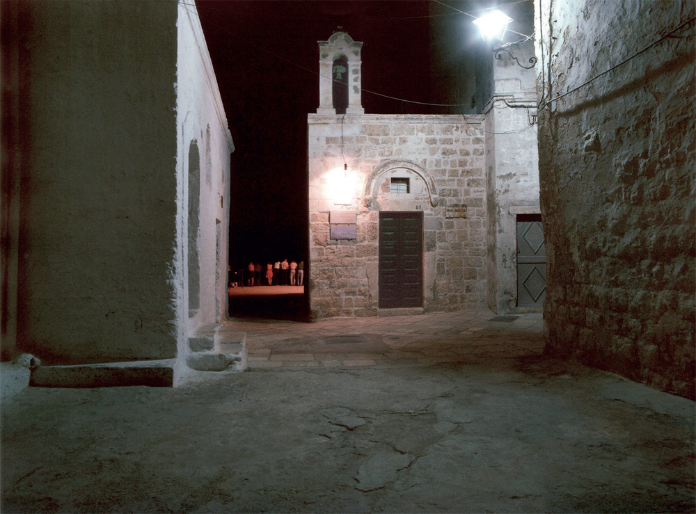 Luigi Ghirri, Chiesa di Santo Stefano, Polignano a Mare, 1987 stampa fotografica cm 30 x 40 Collezione Fondazione Pino Pascali