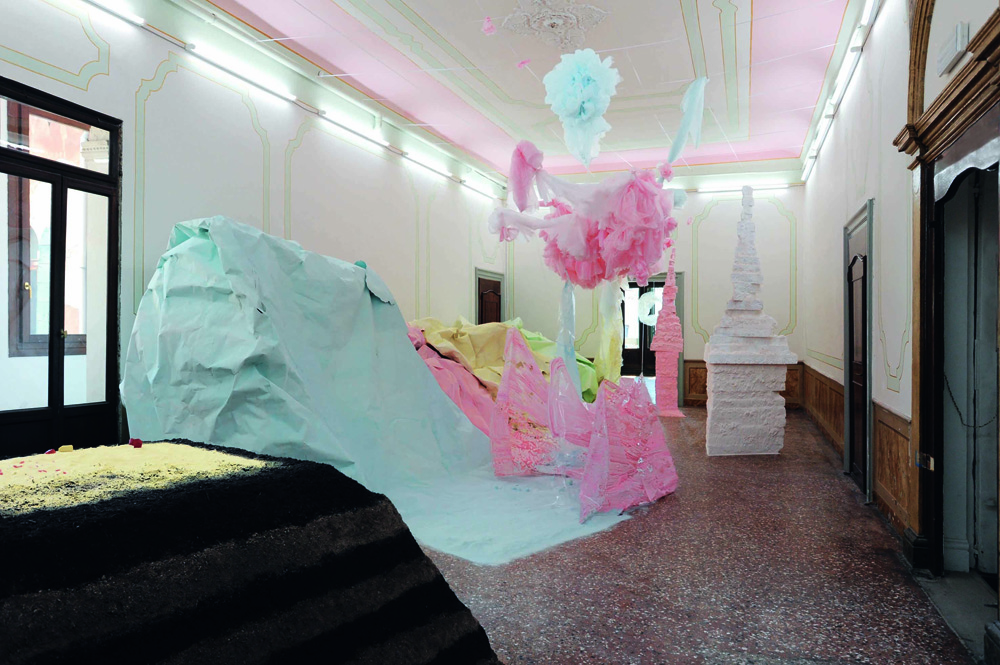 Karla black scotland venice at the 54th international for Artisti biennale venezia