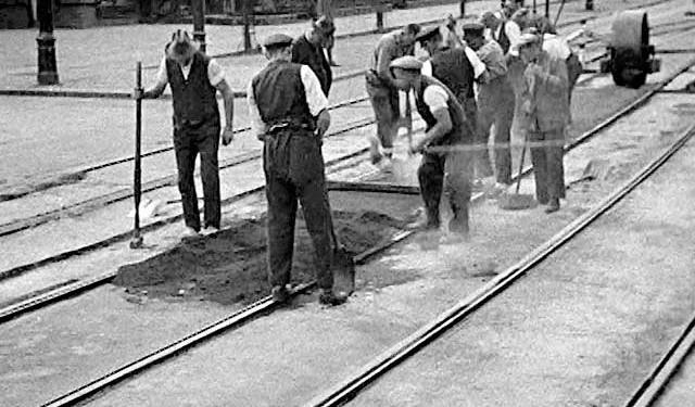 MOHOLY-NAGY László Berlin Still Life, 1931 Silent film, 9 min Hattula Moholy-Nagy, Ann Arbor, Michigan ©Hattula Moholy-Nagy/VEGAP 2011