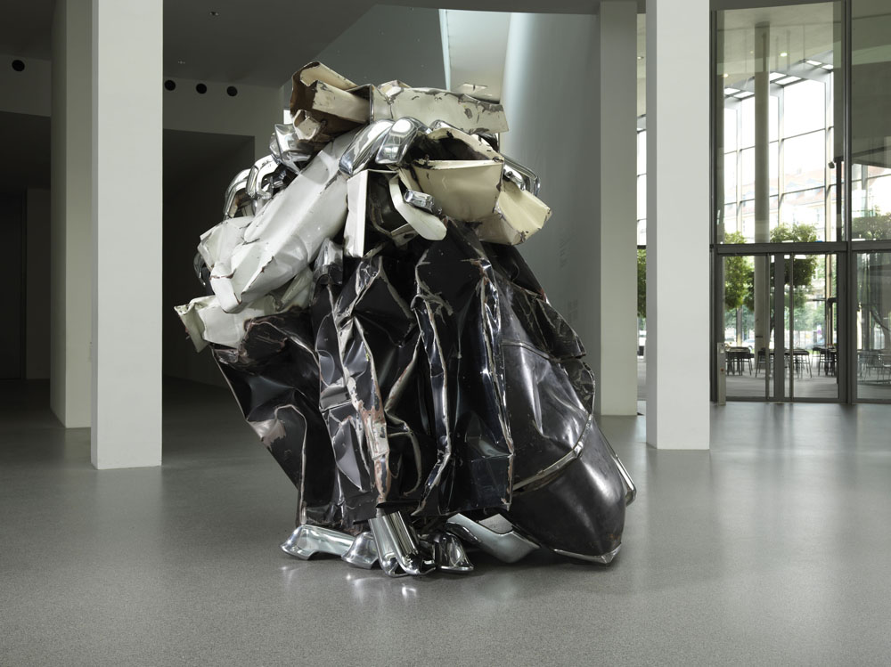 John Chamberlain. Curvatureromance DEJASHMOOZCOUPE, 2010 © John Chamberlain / VG Bild-Kunst, Bonn 2011
