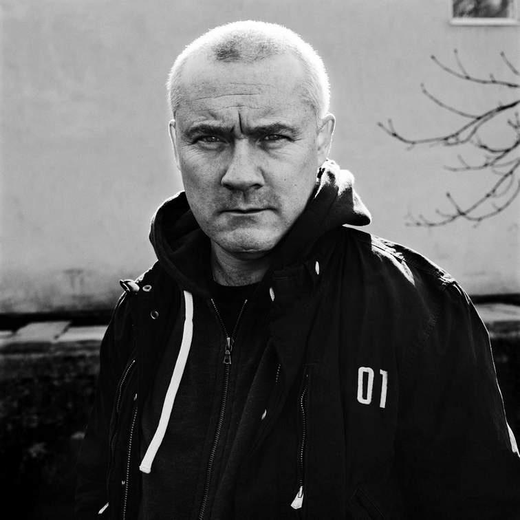 Damien Hirst Portrait, 2011. Photography by Anton Corbijn© 2011 Anton Corbijn.