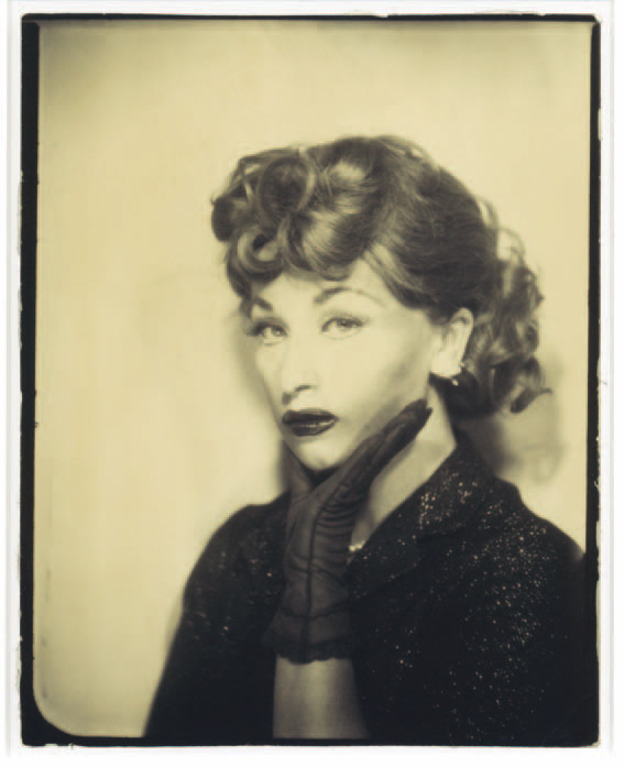 Cindy Sherman, Untitled, 1975, gelatin silver print, 30.5 x 20.4 cm © Courtesy of the Artist, Metro Pictures, collection Musée de l'Elysée, Lausanne
