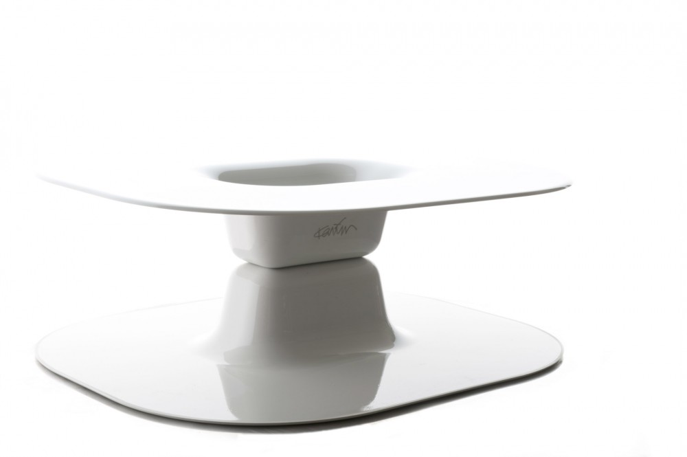 Opposite Table Karim Rashid Measures : 96x84x h. 32 cm circa Material: ABS Limited Edition: N.1/100 Produced by Base Year 2012 Edizioni Galleria Colombari
