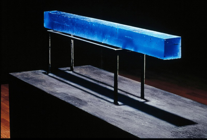 Blue bar, 2003 80 x 1100 x 80 mm sandcast glass photo: A.Qwarnstrom. courtesy of the artist