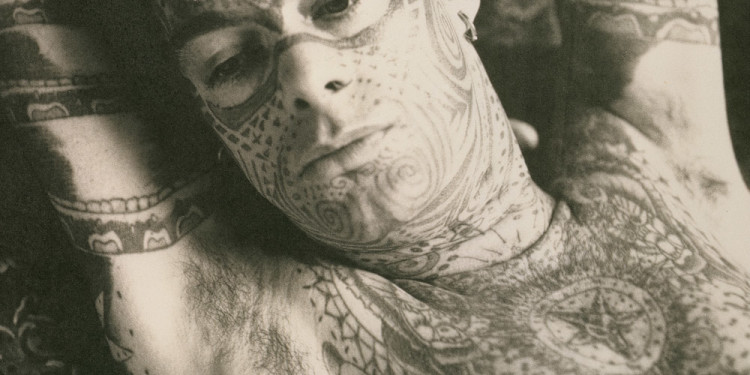 McDermott & McGough: Tattoo Man in Repose, 1891/1991. © McDermott & McGough. Courtesy Galerie Jerome de Noirmont, Paris