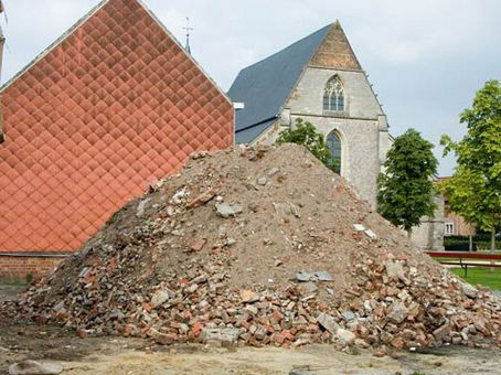 The rubble mountain_Sint-Truiden_2005