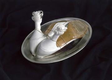 Meret Oppenheim Ma gouvernante (My Nurse), 1936 Metal, shoes, twine, paper 14 x 21 x 33 cm Moderna Museet, Stockholm © Adagp, Paris 2013