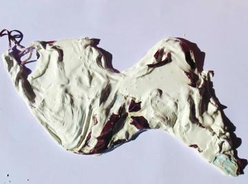 """""""Il Sacro fiume Almone ferito"""" di Eleonora Del Brocco, cm 93 x 55 h, 2014 polimaterico, gesso e plexiglass"""