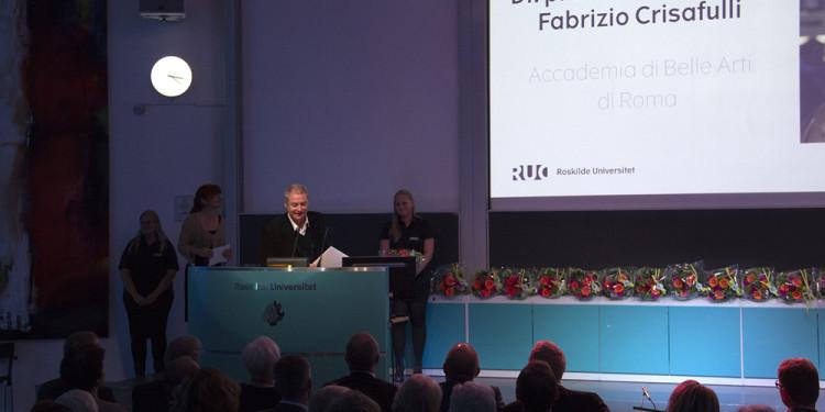 L'Università danese di Roskilde conferisce a Fabrizio Crisafulli la laurea honoris causa.
