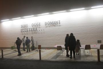 Jonathan Monk, installazione Ieri Oggi Domani Eccetera..., 2016
