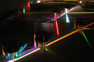 4 Alberto Biasi, Light prisms - Grande tuffo nell'arcobaleno
