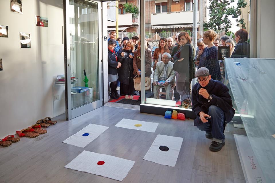 Adam-Nankervis-Mondrian-pubblico-vetrina
