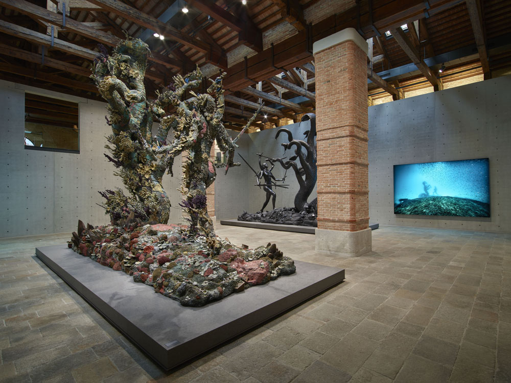 Room 11: (left to right) Damien Hirst, Hydra and Kali (two versions), Hydra and Kali Beneath the Waves (Photographed by Prudence Cuming Associates / Photographed by Christoph Gerigk) © Damien Hirst and Science Ltd. All rights reserved, DACS/SIAE 2017
