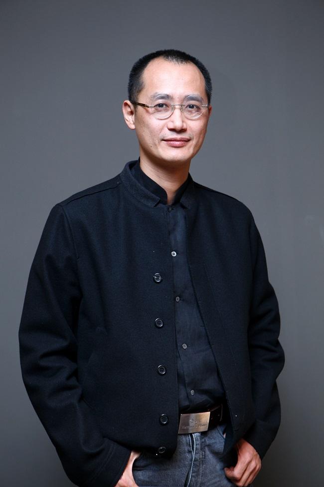 Curator Qiu Zhijie