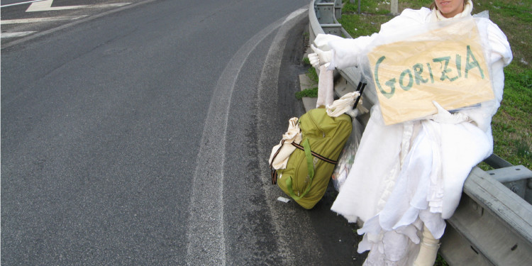 Pippa Bacca (b. 1974-2008), March 10, 2008, Pippa is hitched to Gorizia, Photo Silvia Moro