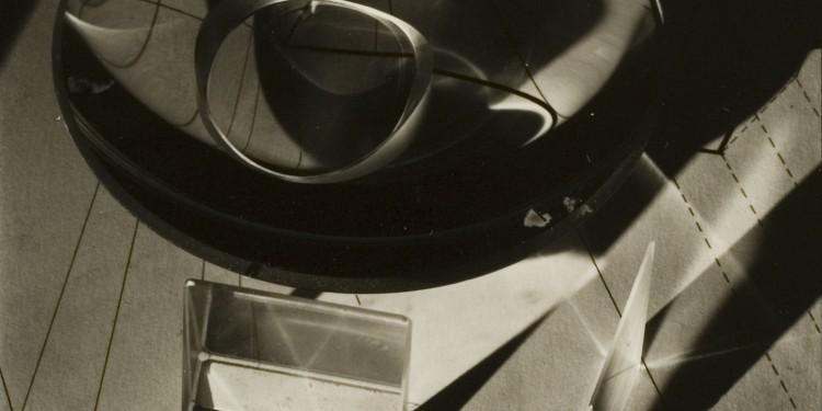 Kepes György: Fényjáték, 1939, ezüstnyomat / György Kepes: Lights, silver print, 1938