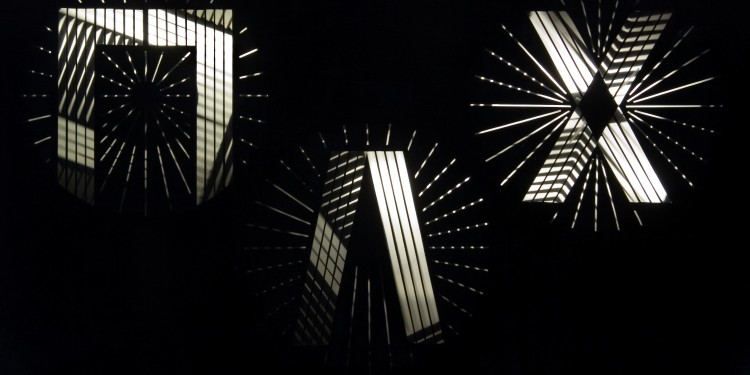 Frank J. Malina: Pax IV, kinetikus festmény, Lumidyne rendszer 120 x 80 x 11cm, 1971. / Frank J. Malina: Pax IV, kinetic painting, Lumidyne system, 120 x 80 x 11cm, 1971