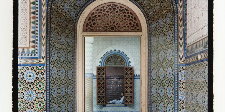 Lalla Essaydi « Harem #14 » Édition de 10. Tirage Chromogène argentique sur aluminium 150 x 122 cm Tindouf Gallery