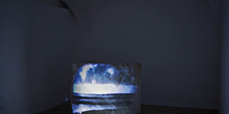 Giovanni Ozzola Almost three hundred lightning - turner mood 2010 dvd, proiettore, pietra di marmo | dvd, projector, marble stone 6'26'' Courtesy Galleria Continua, San Gimignano / Beijing / Le Moulin Photo: Ela Bialkowska