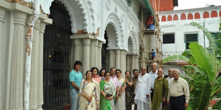 ...meeting goes well at the Sovabazar Rajbari!