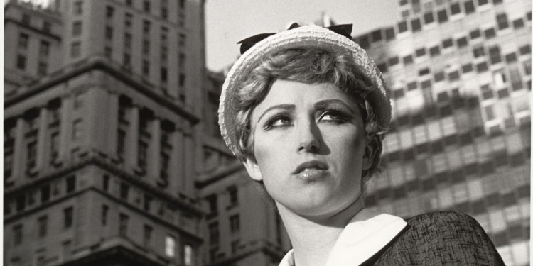 Cindy Sherman. Untitled Film Still #21. 1978. Gelatin silver print, 7 1/2 x 9 1/2″ (19.1 x 24.1 cm). The Museum of Modern Art, New York. Horace W. Goldsmith Fund through Robert B. Menschel. © 2011 Cindy Sherman