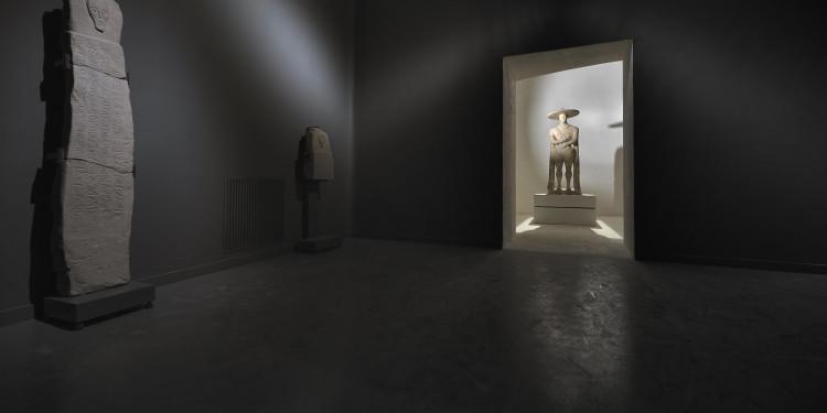suggestiva-visione-della-sala-del-guerriero, © 2011 Rosi Fontana