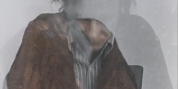 Baranyay András: Önarckép II. (1970) / András Baranyai: Self Portrait No. 2. (1970) színezett brómezüst zselatin / coloured gelatine-silver bromide 41,1 x 26,2 cm Vásárlás a Nemzeti Kulturális Alap hozzájárulásával / Purchased with assistance from the National Cultural Fund, 2010