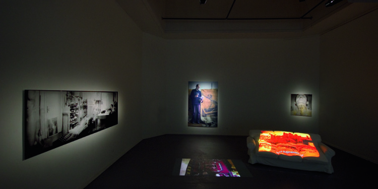 7_View of the exhibition_Performing History_Romanian Pavilion Venice Biennale 2011_photo Roman Mensing artdoc.de_1