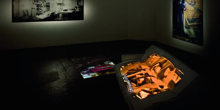 7_View of the exhibition_Performing History_Romanian Pavilion Venice Biennale 2011_photo Roman Mensing artdoc.de_2