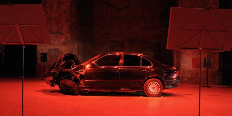 Németh Hajnal: ÖSSZEOMLÁS - Passzív Interjú, Kiscelli Múzeum - Fővárosi képtár, 2010, fotó: Tihanyi-Bakos Fotóstúdió