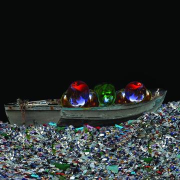 MARIA PAPADIMITRIOU Apparatus, 2011 vetro di Murano, barca / Murano glass, boat Supported by Toqso Art, Athens Photo: Matteo Visentin