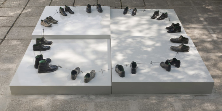 "Sigalit Landau ""O my friends, there are no friends"", 2011 12 Pairs of bronze Shoes, 300 cm diameter Installation view, Israeli Pavilion, 54th Venice Biennale, Venice, 2011 © Sigalit Landau Courtesy the artist and kamel mennour, Paris"
