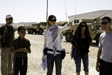 The Hurt Locker. 2008. USA. Directed and produced by Kathryn Bigelow. Pictured: Bigelow on set. Photo Credit: Jonathon Olley.