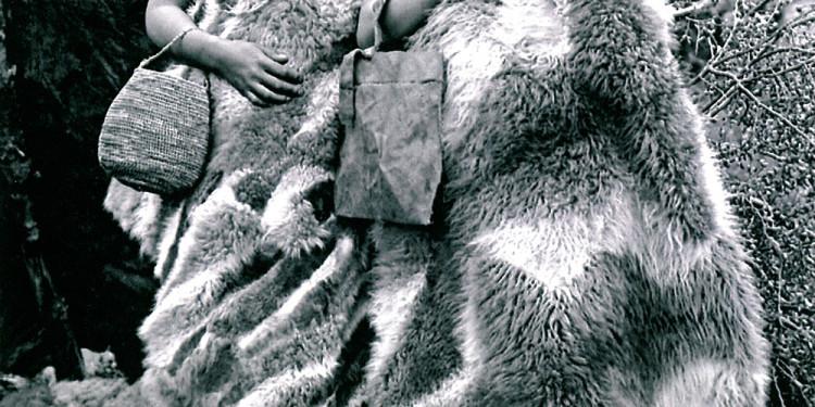"""Alberto Maria De Agostini (Italy) """"De Agostini e lo sciamano Selk'nam Pachek"""", 1921 Fotografia, DB, diapositiva su plastica monocroma Courtesy: Museo Salesiano Maggiorino Borgatello,Punta Arenas, Cile"""