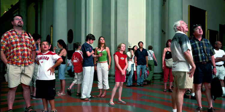 Thomas Struth: Audience 1 (Galleria dell'Accademia), Florenz, 2004 Photo © MUMOK, Museum Moderner Kunst Stiftung Ludwig Wien, acquired with benefits of the MUMOK Board