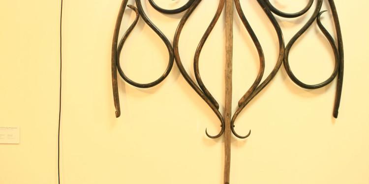 """Olga & Aleksandr Florensky, Scheletro di razza dalla serie «Scheletri diversi"""" 2008 Legno, oggetti d'antiquariato Skeleton of an Electric Ray From series """"Various skeletons"""" 2008 Wood, antique instrument"""