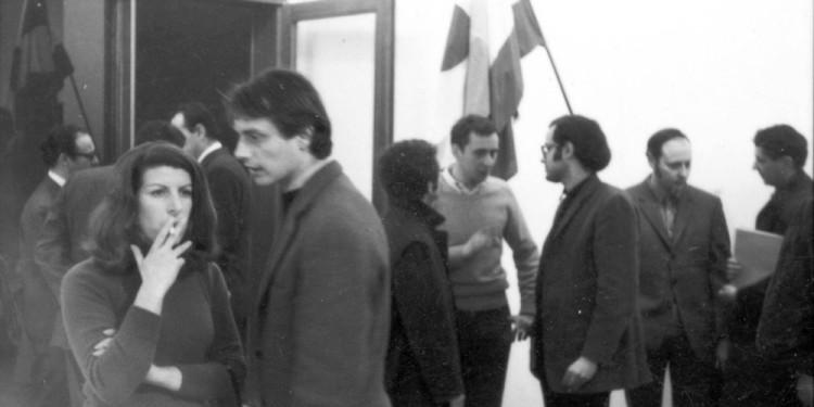 Mostra Arte Povera, inaugurazione / Exhibition Arte povera, opening Galleria De' Foscherari, Bologna, 1968 / De' Foscherari Gallery, Bologna, 1968 Foto / Photo: Archivio De' Foscherari