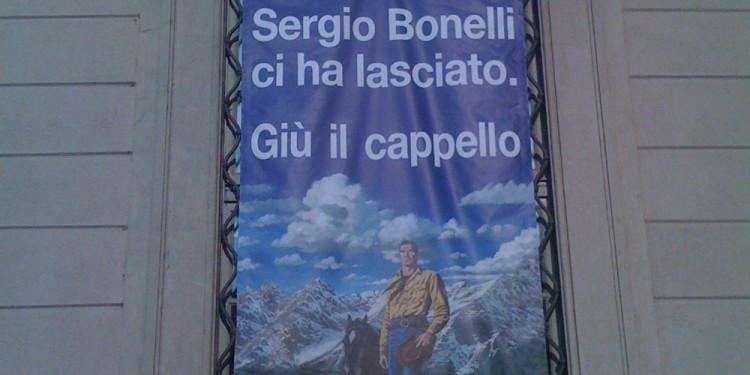 manifesto alla mostra 'Dylan Dog – 25 anni nell'incubo' per ricordare Sergio Bonelli
