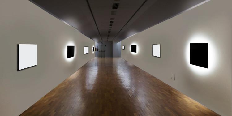 Le Parole Invisibili Installazione ambientale Dimensione ambiente Tecnica: 5 Specchi cromo-genici cm 90x90x20 cad, luce, diffusione sonora di voci registrate, spazio architettonico