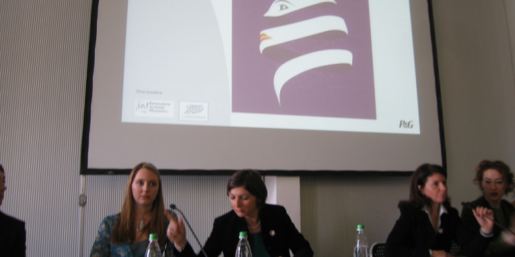 WOMEN AND THEIR SKIN. Press conference: Monday 23 January 12 pm Milan Triennale
