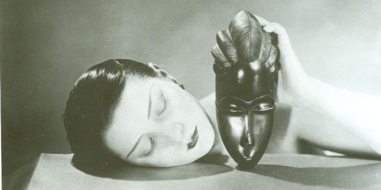 Man Ray, Noire et blanche, 1926, fotografia, new print del 1980, 23 x 30 cm, courtesy Fondazione Marconi, Milano