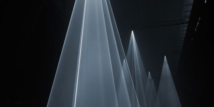 Anthony McCall,Installation view at Hangar Bicocca, Milan, 2009 Photo: Giulio Buono