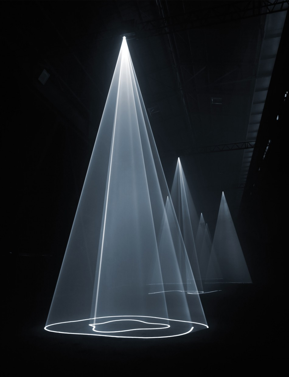 Anthony Mccall Five Minutes Of Pure Sculpture