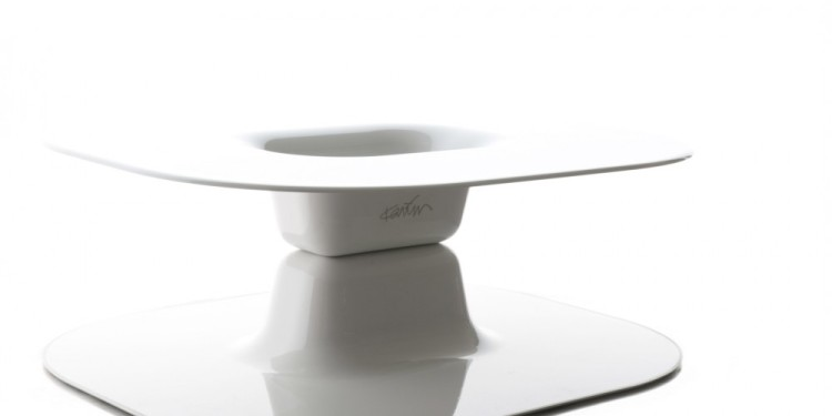 Opposite Table Karim Rashid Measures: 96x84x h. 32 cm circa Material: ABS Limited Edition: N.1/100 Produced by Base Year 2012 Edizioni Galleria Colombari