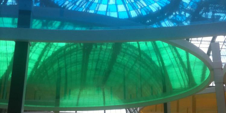 foto di Véra Amsellem, Daniel Buren, Excentrique(s), travail in situ, 2012, Monumenta, Grand Palais, Paris
