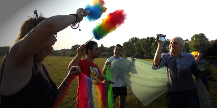 Performance partecipativa Rainbow in Caffarella Valley in Rome - London Biennale Pollination 5.7.2012