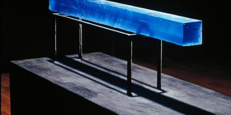 Blue bar, 2003 80 x 1100 x 80 mm sandcast glass photo: A. Qwarnstrom. courtesy of the artist